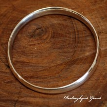 Silver Far-Away Bangle