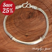 The Bar Bracelet