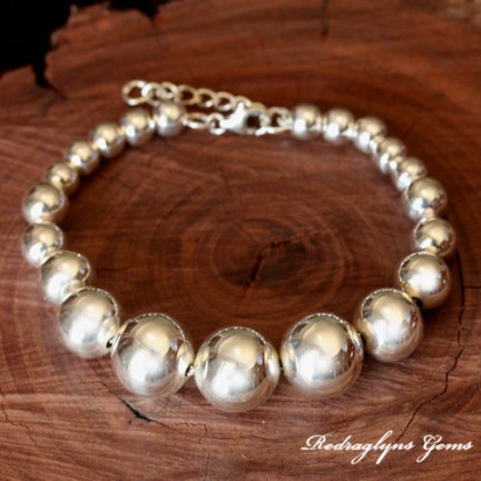 Silver Ball Bracelet Graduated