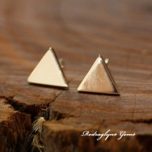 Triangle Studs 10mm